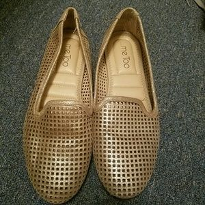 Me too slip on flats size 8.5